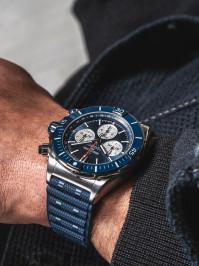 Super Chronomat B01 44 04