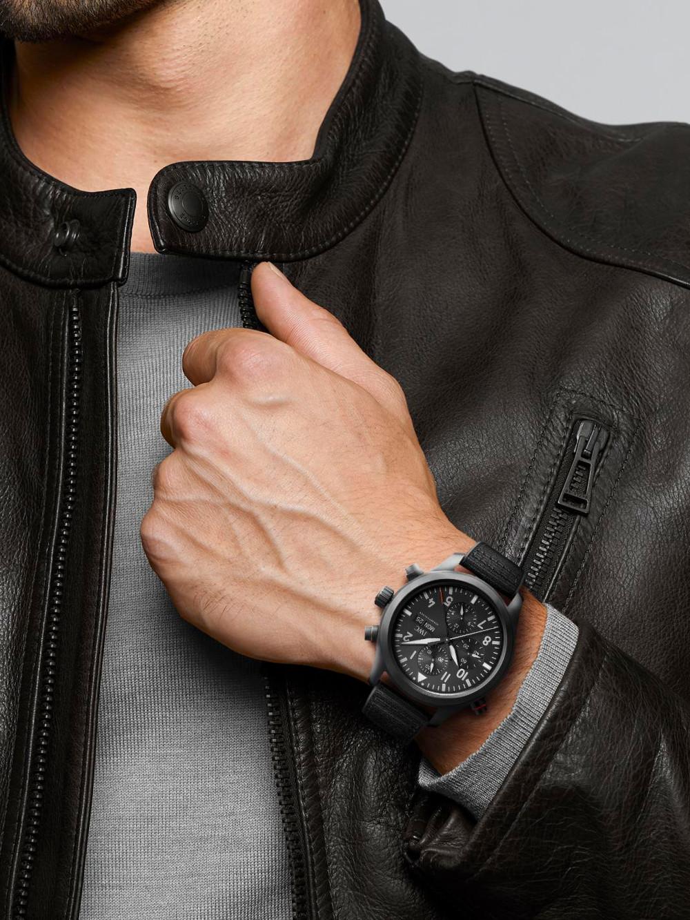 Pilot's Watch Chronograph Top Gun Ceratanium 03