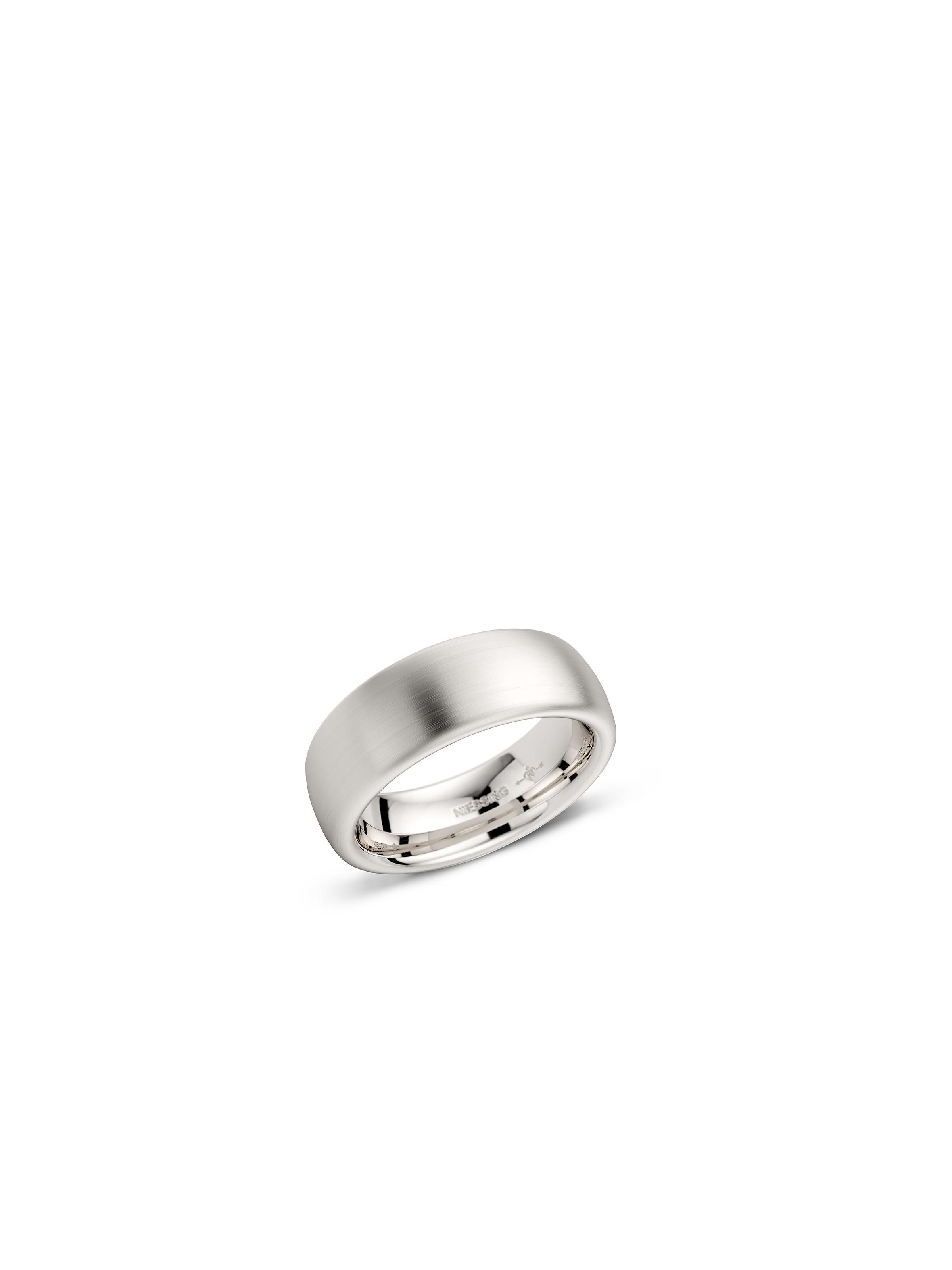 Oval wedding ring with a silk-matt surface