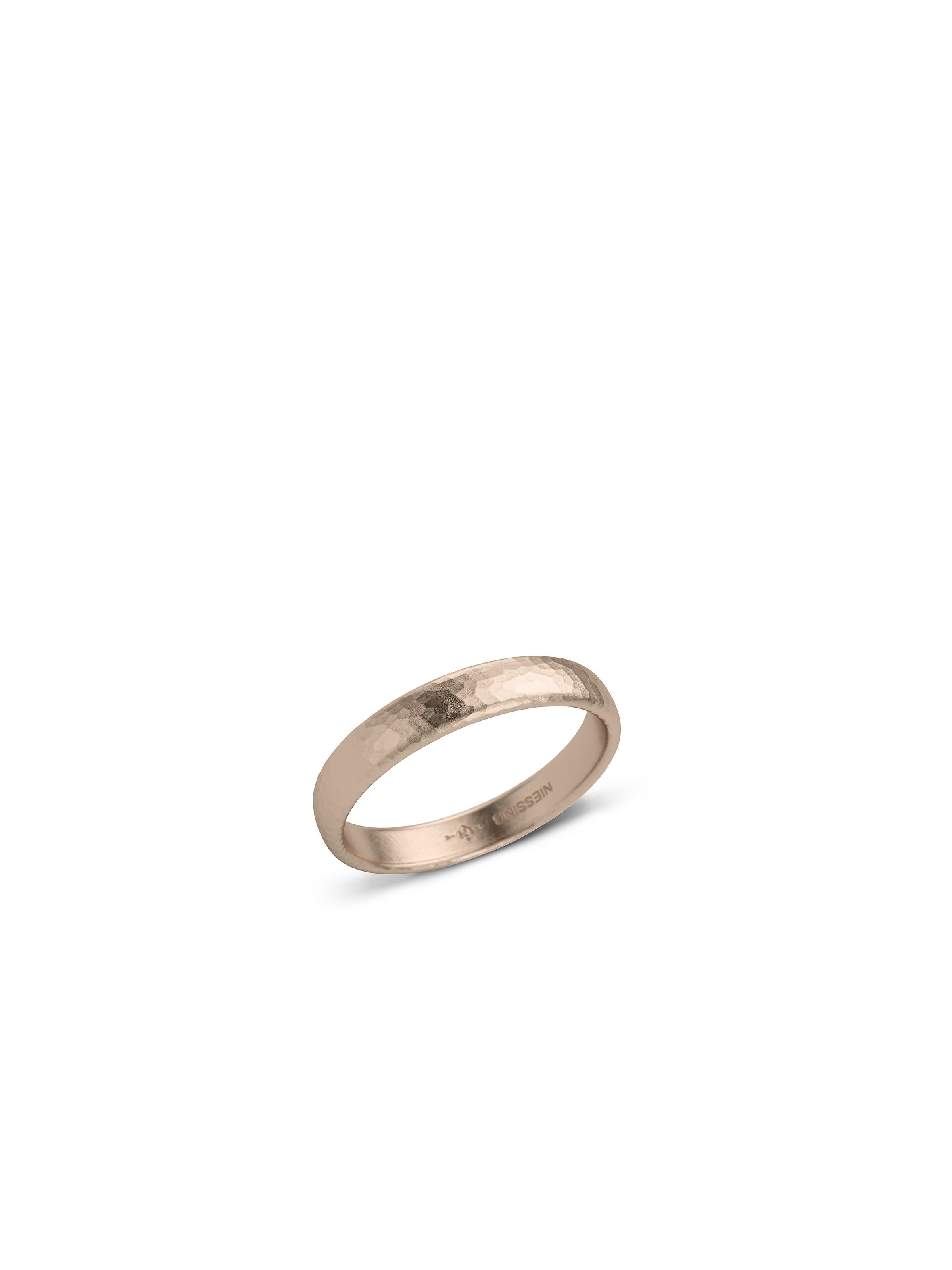 Classic wedding ring -curved/flat- hammer blow matt surface