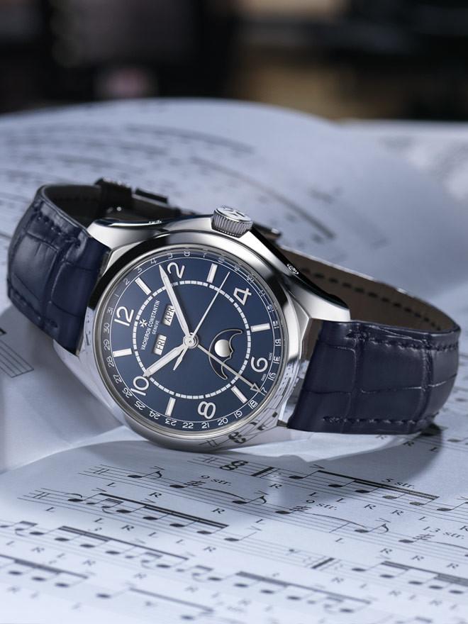 Vacheron Constantin FIFTYSIX? mit blauem Zifferblatt. Uhren für Menschen, die selbstbewusst eigene Wege gehen.