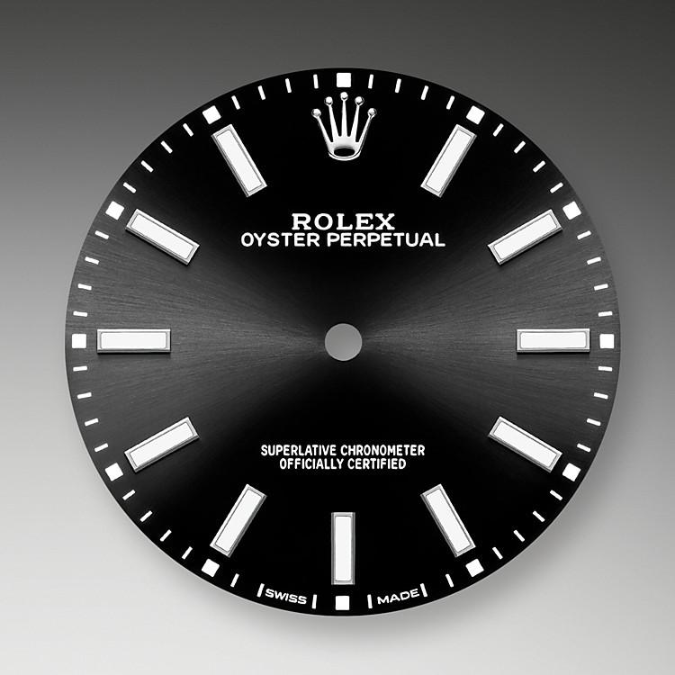 Der Radialschliff auf den Rolex Zifferblättern ist in der Uhrmacherei ein bevorzugtes Verfahren, um Farbe mit einem intensiven Metallton auf das Zifferblatt aufzubringen, wie es bei Silbergrau, Rhodium und Ruthenium der Fall ist.