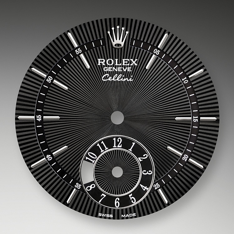 The guilloche dial of the Cellini Dual Time pays tribute to the timeless codes of classic watchmaking, while reinterpreting them with an elegant modernity.