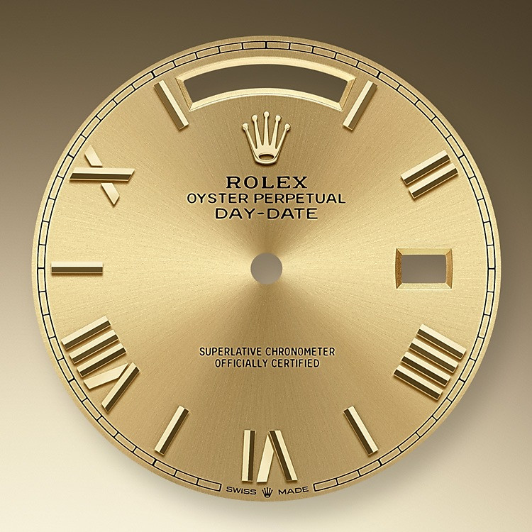 The sunray finish creates delicate light reflections on many dials in the Oyster Perpetual collection. It is obtained using masterful brushing techniques that create grooves running outwards from the centre of the dial. Light is diffused consistently along each engraving, creating a characteristic subtle glow that moves depending on the position of the wrist.<br> Once the sunray finish has been completed, the dial colour is applied using Physical Vapour Deposition or electroplating. A light coat of varnish gives the dial its final look.