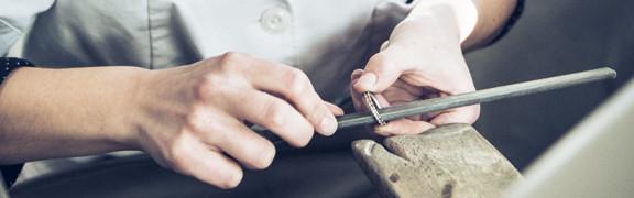 Reinigung, Reparatur und weitere Services rund um Ihren Schmuck.
