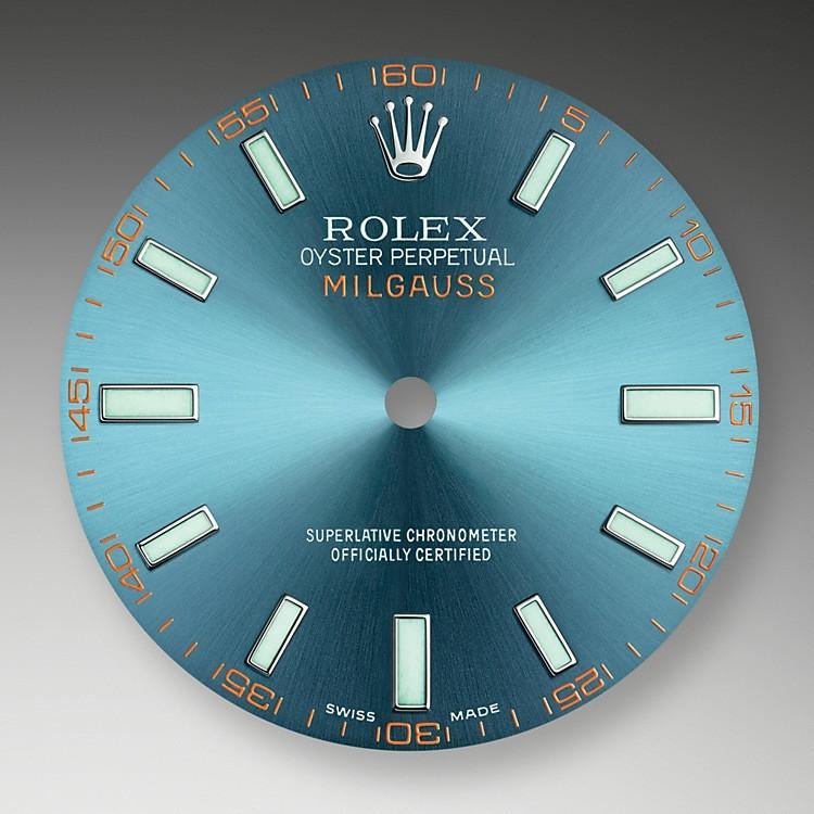 Grünes Saphirglas war eine Innovation in der Uhrenbranche, als es 2007 für die Milgauss eingeführt wurde. Nun verbindet sich dieses Saphirglas mit einem elektrisierenden blauen Zifferblatt – eine Anspielung auf den charakteristischen Sekundenzeiger in der gezackten Form eines Blitzes.